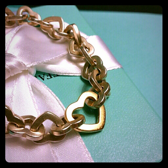 Tiffany & Co. Jewelry - Tiffany & Co. Retired Heart Links 925/750 Bracelet